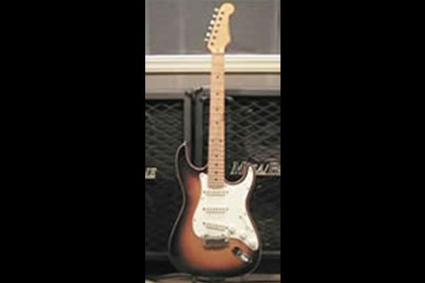 Bacchus社製 ストラトキャスター  メインギター/ストラトを使っている理由